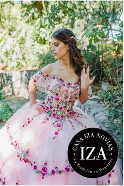 Ofertas de Bodas en el catálogo de Casa Iza en Ciudad Apodaca ( Más de un mes )