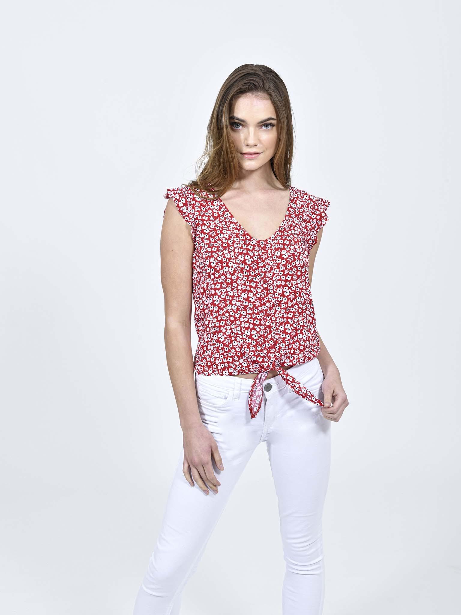 Oferta de Blusa Floral Cuello 'V' por $159