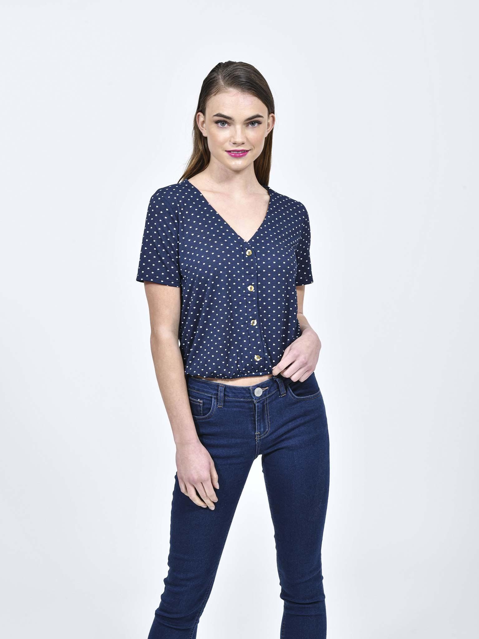 Oferta de Blusa Corazones Cuello 'V' por $149