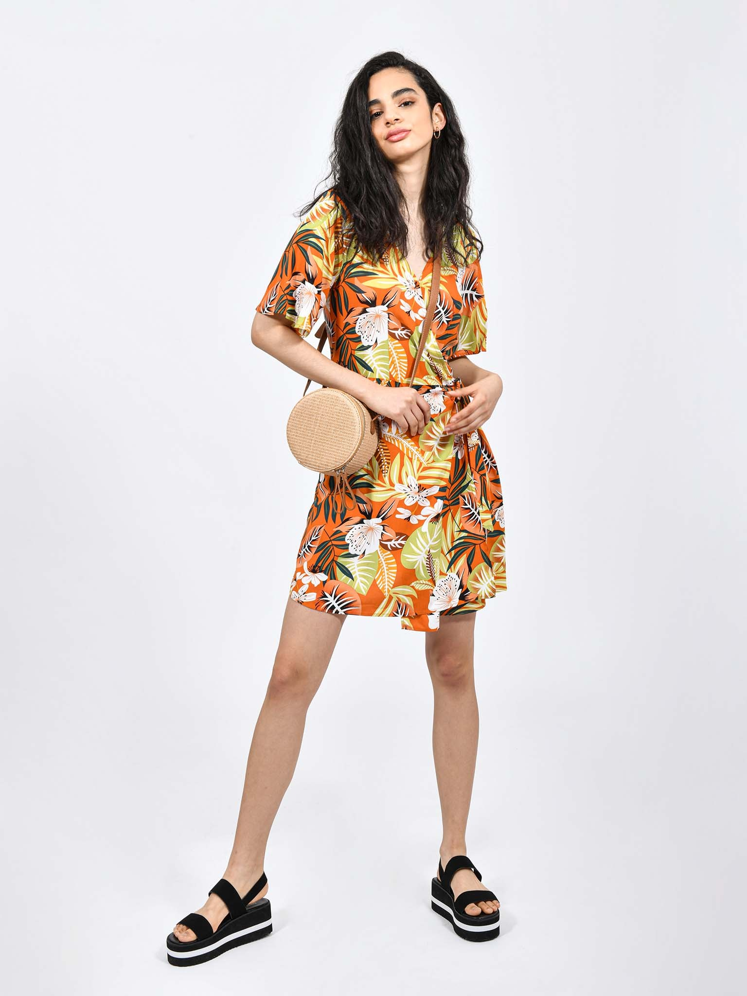 Oferta de Vestido Casual Print Tropical por $242.1