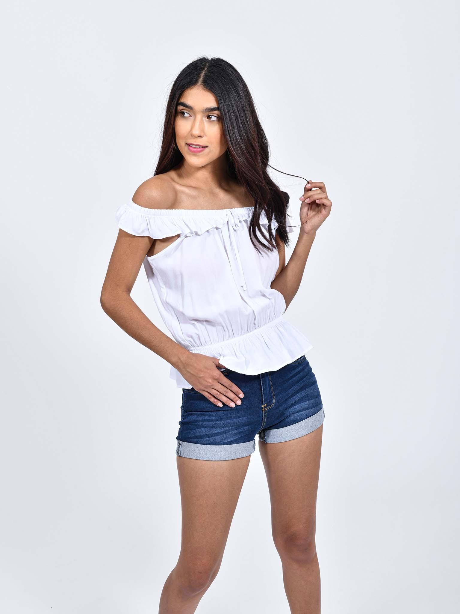 Oferta de Blusa Blanca Hombros Descubiertos por $134.1