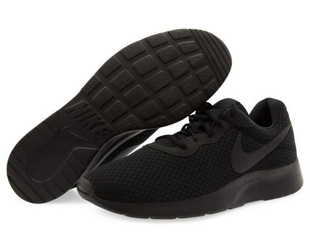 Oferta de Tenis Nike Tanjun color Negro para Hombre por $1019