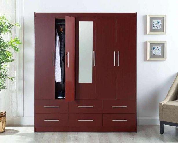 Oferta de Ropero Mobi Titán color Rojo 150 cm por $5.499