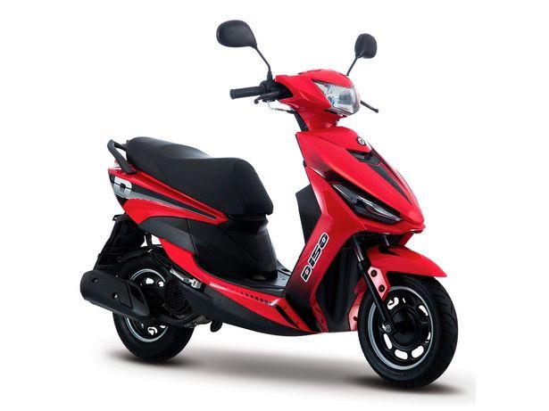 Oferta de Motoneta Italika D150 roja por $19999
