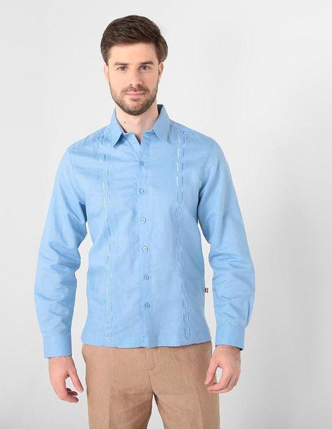 Oferta de Guayabera Costavana cuello francés corte regular fit lino azul medio por $806.65