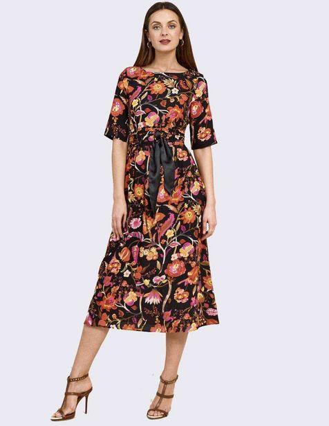 Oferta de Vestido de cocktail Niza con diseño floral por $1299