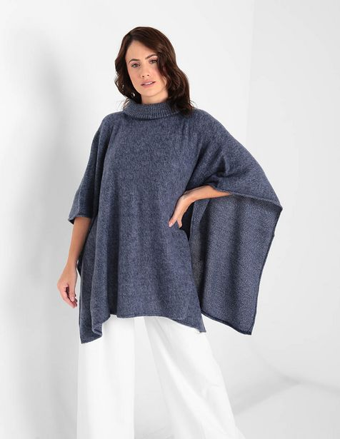 Oferta de Poncho LIEB azul cuello tortuga por $1486.65