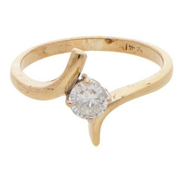 Oferta de Anillo solitario con diamante en oro amarillo 14 kilates. por $6092