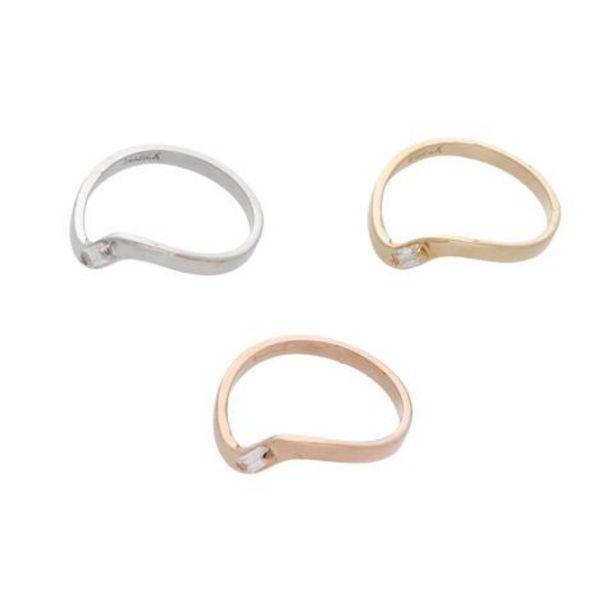 Oferta de Juego de tres anillos ondulados con sintéticos en oro tres tonos 14 kilates. por $5647
