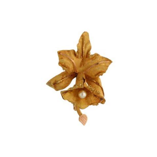 Oferta de Prendedor estilizado motivo flor con perla en oro amarillo 18 kilates. por $18436
