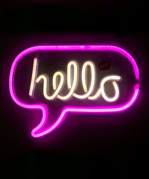 Oferta de Lámpara de pared Neon Hello por $599