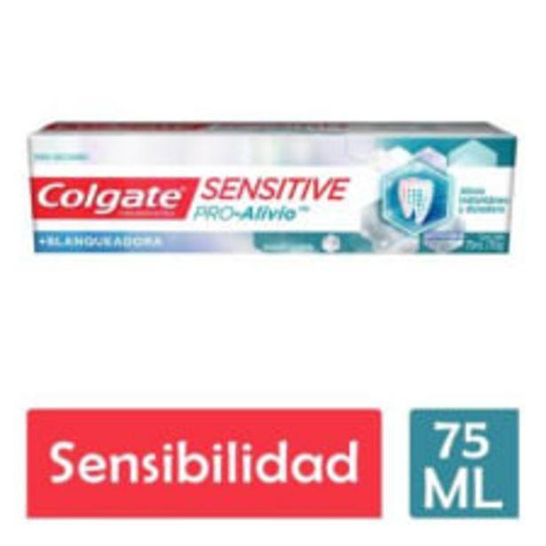 Oferta de Crema dental Colgate Sensitive Pro Alivio blanqueadora 75 ml por $102