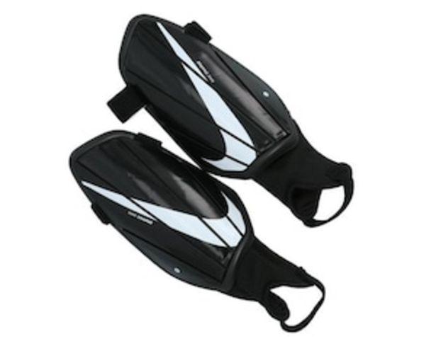 Oferta de Espinilleras Nike Charge Negras para Hombre por $169