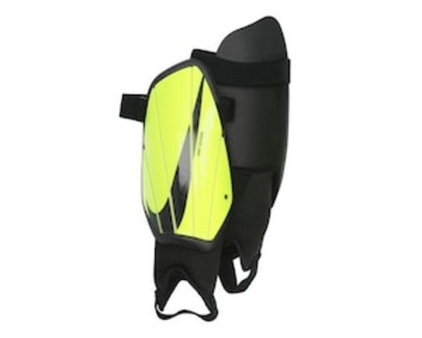 Oferta de Espinilleras Nike Charge Talla Grande por $169