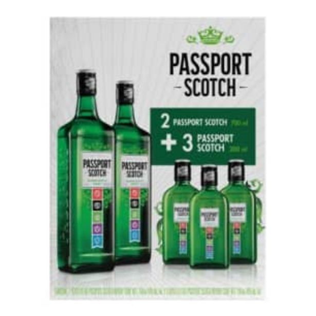 Oferta de Whisky Passport 2 pzas de 700ml + 3 pzas de 200 ml por $230.18