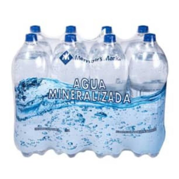 Oferta de Agua Mineralizada Member's Mark 8 pzas de 2 l c/u por $82.85