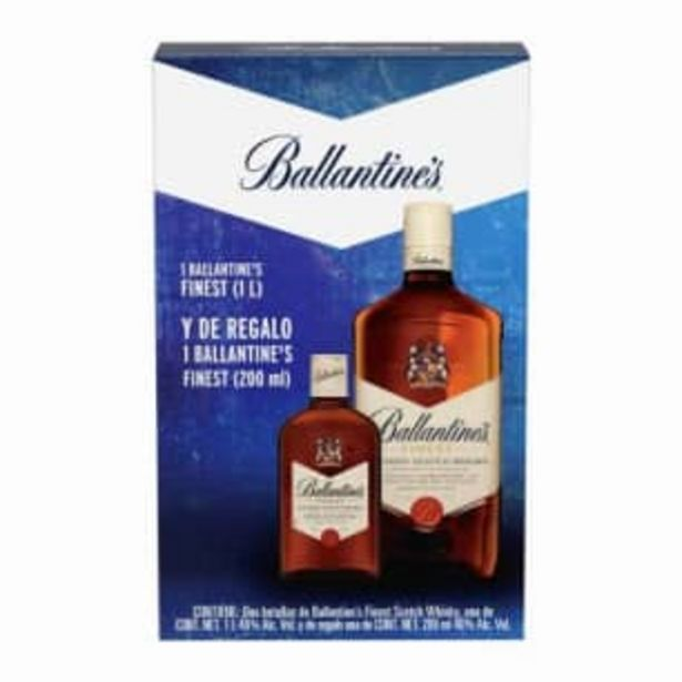 Oferta de Whisky Ballantine's Finest 1 l + 1 pza de 200 ml por $203.58