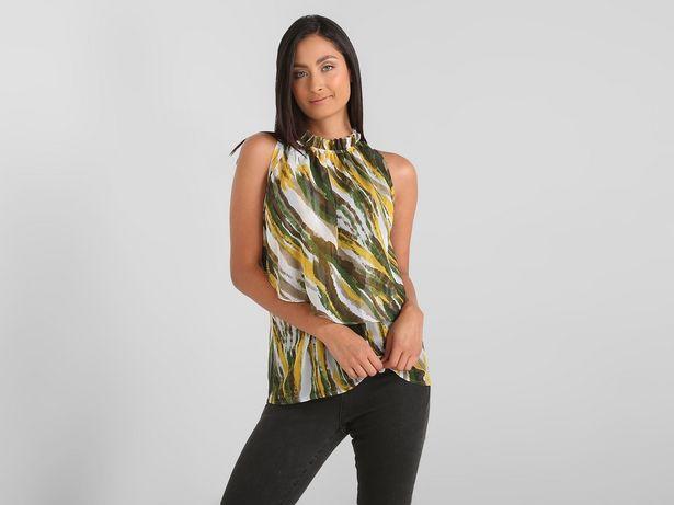 Oferta de Blusa Contempo cuello alto con olán por $208
