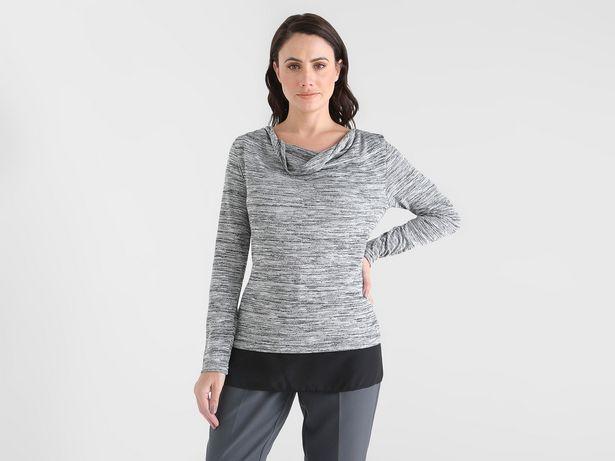 Oferta de Blusa La Mode jaspeada con cuello drapeado por $199