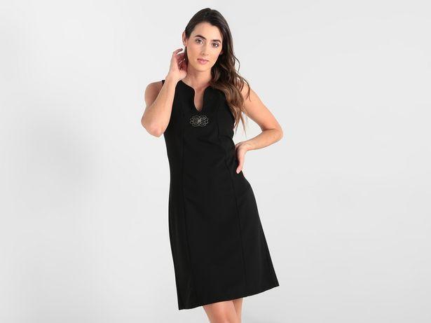 Oferta de Vestido La Mode sin manga con aplicación metálica por $278
