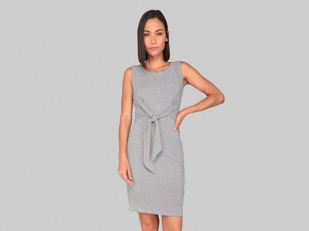 Oferta de Vestido Contempo con diseño gráfico por $249
