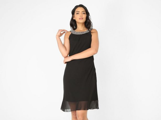 Oferta de Vestido Contempo con pedrería de fantasía por $249