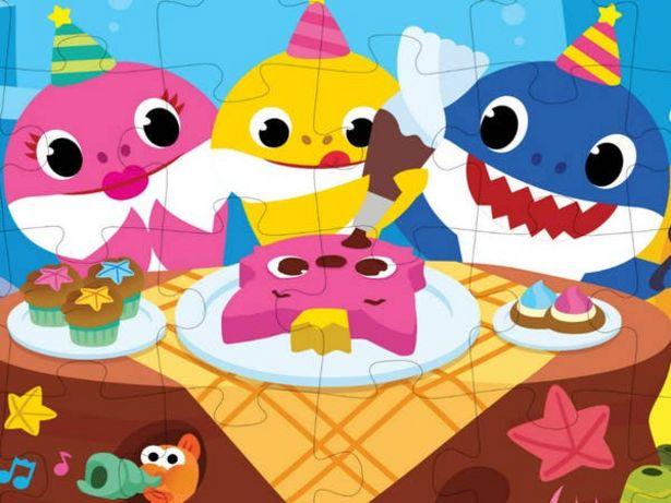 Oferta de Rompecabezas Baby Shark 24pz Spin Master por $90.3