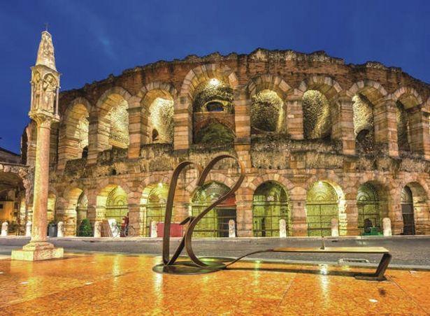 Oferta de Gold Edition 500 Piezas Coliseo Romano por $229