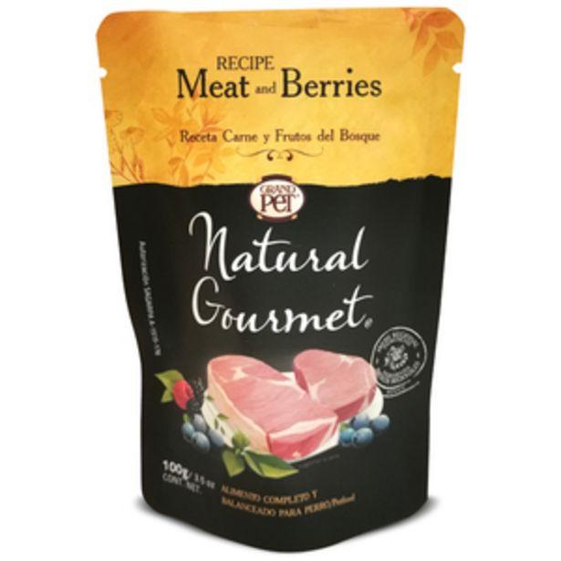 Oferta de Natural Gourmet Alimento Natural Húmedo para Perro Receta Carne y Frutos del Bosque, 100 g por $16.8
