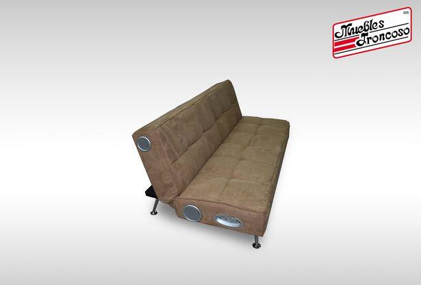 Oferta de SOFA GSA-13228 GX SEATER WITH SPEAKER CHROME LEGS por $6990