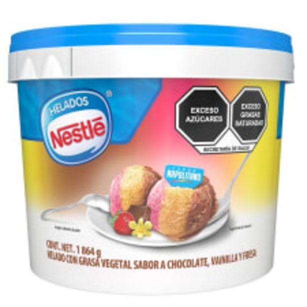 Oferta de Helado Nestlé sabor napolitano 1.861 g por $125