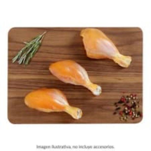 Oferta de Pierna de pollo sin piel por kg por $72