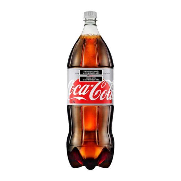 Oferta de Refresco Coca Cola light botella de 2 l por $32