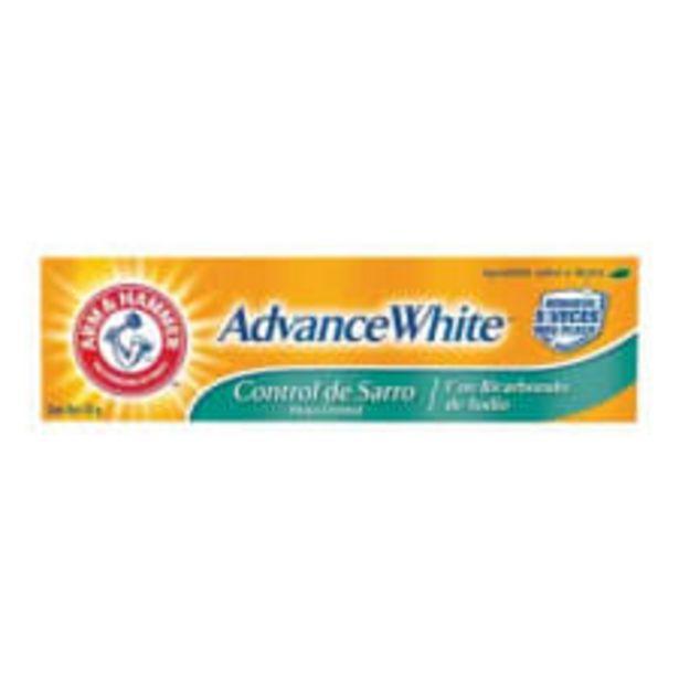 Oferta de Pasta dental Arm and Hammer Advance White control de sarro 121 g por $54
