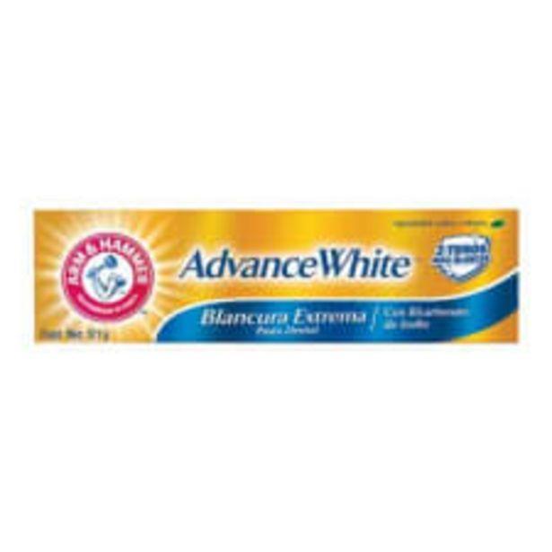 Oferta de Pasta dental Arm and Hammer Advance White anti caries sabor menta 121 g por $54