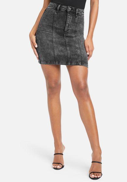 Oferta de Acid Wash Jean Mini Skirt por $21.99