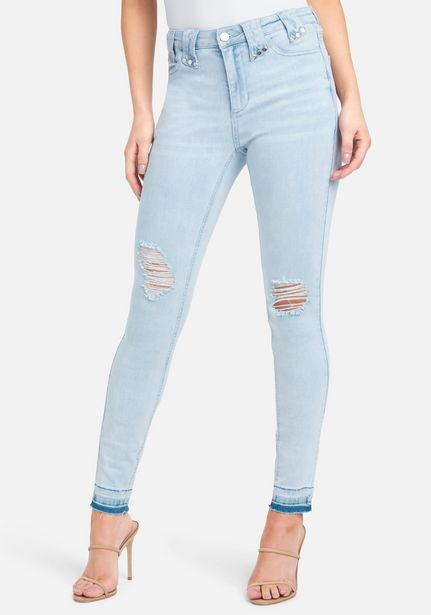 Oferta de Distressed Skinny Jeans por $49.99