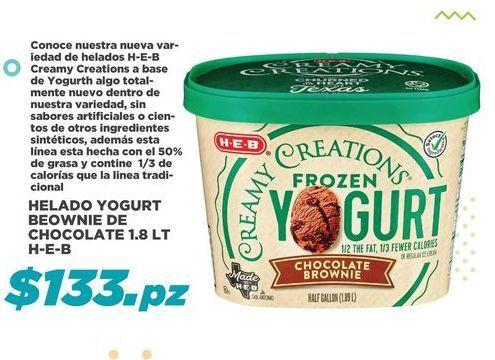 Oferta de Helado Yogurth Brownie de Chocolate HEB por $133