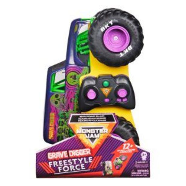 Oferta de Monster Jam, Grave Digger Freestyle Force, coche de control remoto por $1799