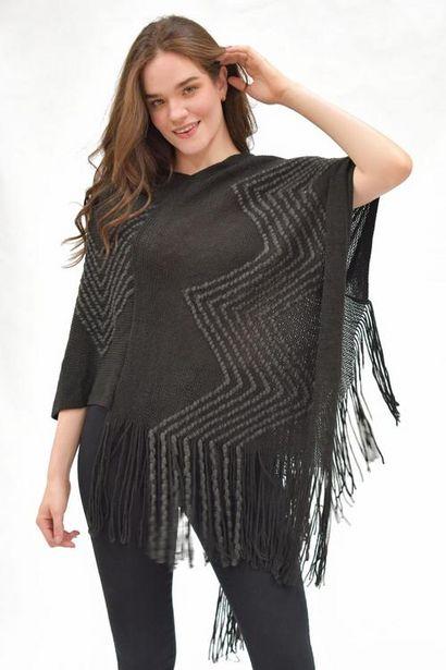 Oferta de Poncho tejido con estampado de zig zag por $120