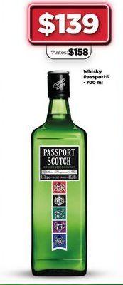 Oferta de Whisky Passport 700 ml  por $139