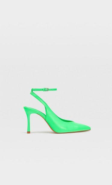 Oferta de Zapato destalonado tacón fino por $749