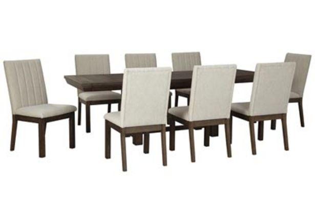 Oferta de Mesa de comedor Dellbeck marrón con 8 sillas laterales por $44589.35